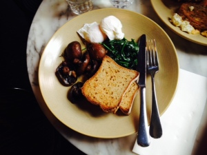 Poached eggs, spinach, grilled mushroom & gluten free toast for a brilliant and energising start to the day!